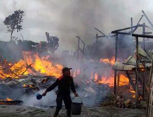 Dua Rumah Hangus Terbakar di Jeneponto