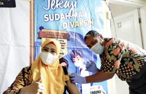 Jelang Pembelajaran Tatap Muka, Guru SDN 48 Bontosunggu Kota Jeneponto di Vaksin